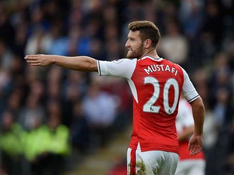 Mustafi thua nhan bi ap luc voi so tien Arsenal bo ra - Anh 1