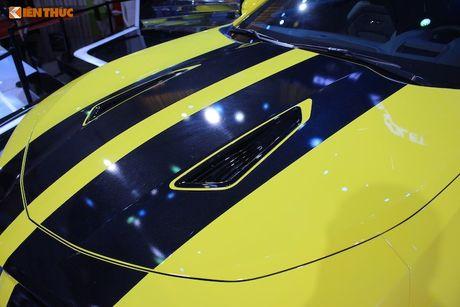 'Soi' sieu xe Chevrolet Camaro SS 2017 dau tien tai VN - Anh 10
