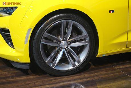 'Soi' sieu xe Chevrolet Camaro SS 2017 dau tien tai VN - Anh 12