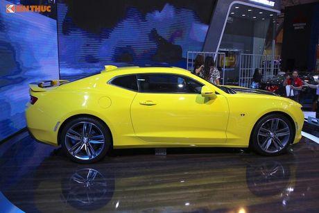 'Soi' sieu xe Chevrolet Camaro SS 2017 dau tien tai VN - Anh 4