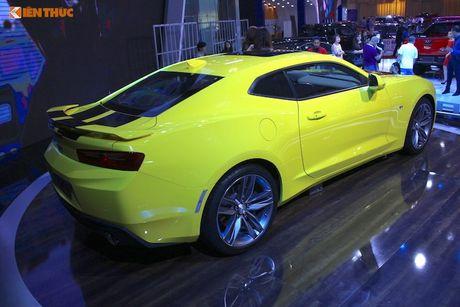 'Soi' sieu xe Chevrolet Camaro SS 2017 dau tien tai VN - Anh 5