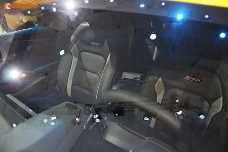 'Soi' sieu xe Chevrolet Camaro SS 2017 dau tien tai VN - Anh 9