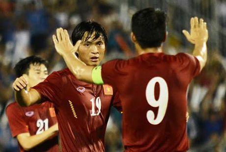 Tuan Anh cua long tuyet dinh go hoa 1-1 cho DT Viet Nam - Anh 1