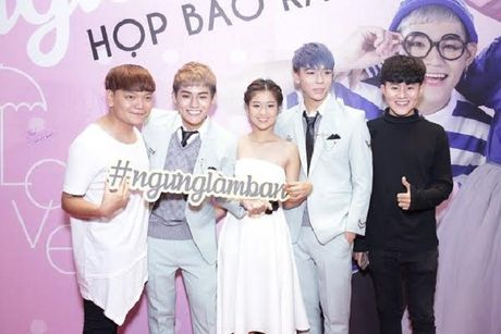 Hoang Yen ra mat MV 'Ngung lam ban' cung nhom TINO Ft. KOP - Anh 2