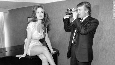 Tiep tuc ro ri hinh anh ong Trump tren phim Playboy - Anh 1