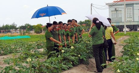 "Cong doan Tong cuc Chinh tri CAND ""ve nguon"" tai Quang Nam - Anh 9"