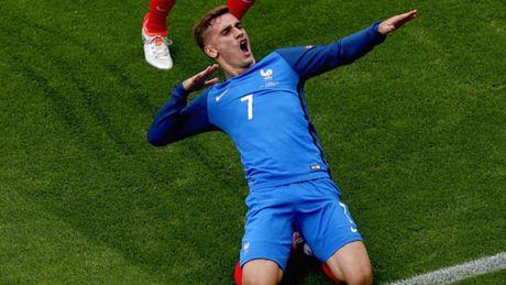 Griezmann la fan MU, duoc Pogba du do toi Old Trafford - Anh 1