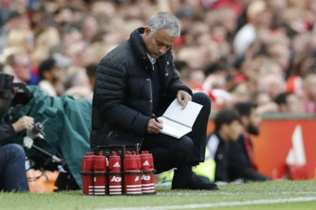Griezmann la fan MU, duoc Pogba du do toi Old Trafford - Anh 3