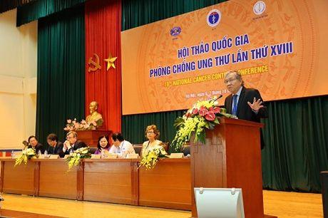 Vua mung, vua lo ve tinh trang mac va dieu tri ung thu o Viet Nam - Anh 1