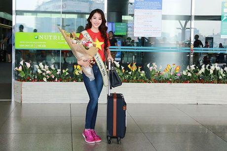Nam Em mac ao co do sao vang, mang 150kg hanh ly den Miss Earth - Anh 6