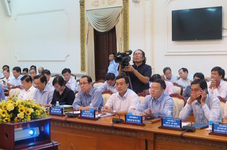 Bo truong Pham Hong Ha lam viec voi UBND TP Ho Chi Minh - Anh 2
