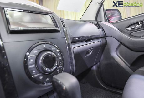 Kham pha SUV dac biet Isuzu mu-X Limited gia 990 trieu dong - Anh 8
