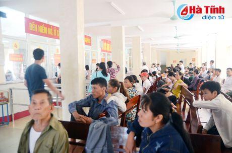 Bao dong vo Quy BHYT: Tuyen huyen 'nang ganh', tuyen xa thiet thoi! - Anh 2