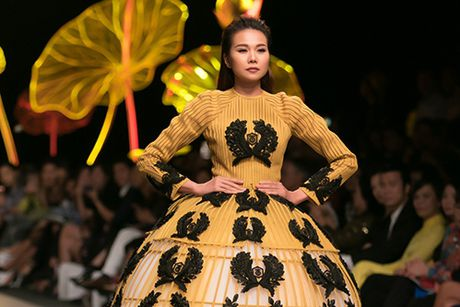 Nhung sac mau ruc ro cua thoi trang Viet 2016 - Anh 1