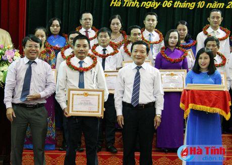 Dang uy khoi Doanh nghiep vinh danh 69 tap the, ca nhan hoc va lam theo loi Bac - Anh 6