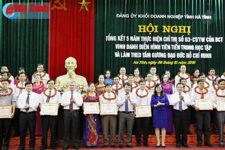 Dang uy khoi Doanh nghiep vinh danh 69 tap the, ca nhan hoc va lam theo loi Bac - Anh 7