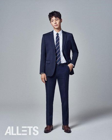 Chan lam The tu, Park Bo Gum lam doanh nhan dep trai - Anh 1