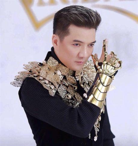 GLTT: Hao quang va su co don it biet cua Dam Vinh Hung - Anh 2