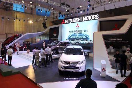 Man nhan voi dan 'xe doc' tai Viet Nam Motor Show 2016 - Anh 2