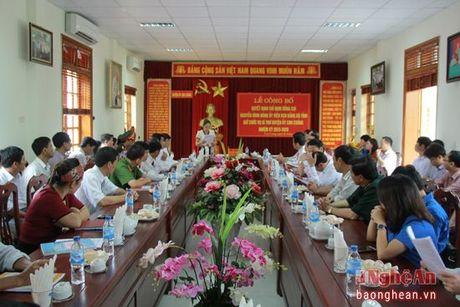 Con Cuong co tan Bi thu Huyen uy - Anh 1
