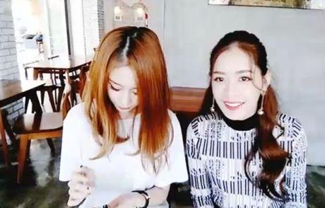 Hot: Vua sang Han Quoc, Chi Pu da di an trua va livestream cung Ji-yeon (T-ara) - Anh 7