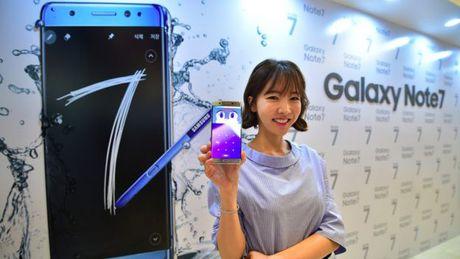 Samsung Galaxy Note 7 chay tren may bay, phai so tan hanh khach - Anh 2