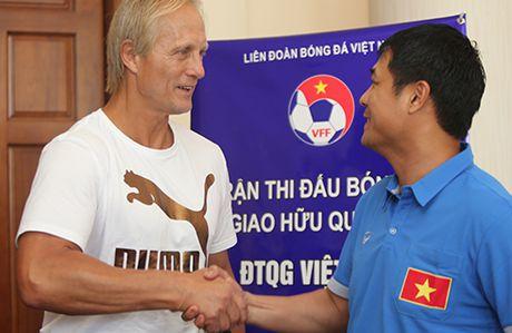 HLV Huu Thang: 'Cong Phuong, Tuan Anh deu co co hoi da chinh' - Anh 3