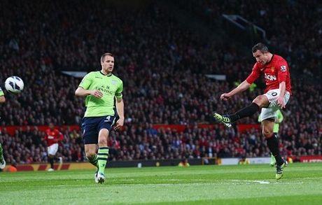 Van Persie nhan giai Cau thu ghi ban thang dep nhat Premier League - Anh 1