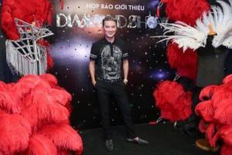 Dem nhac Mr Dam cam quay chup anh: Gay phien toai nhung phai ton trong - Anh 1