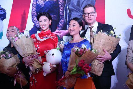 Maya - Nha Phuong rang ro trong buoi ra mat phim 'Sai Gon anh yeu em' - Anh 2