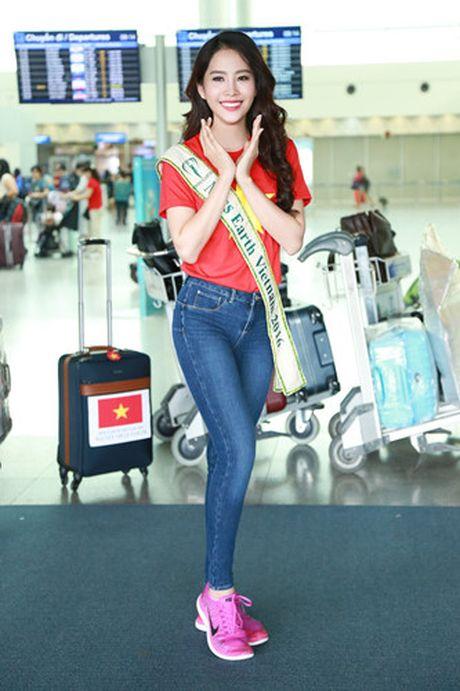 Nam Em mang 11 va ly di tham du Hoa hau Trai dat 2016 - Anh 2