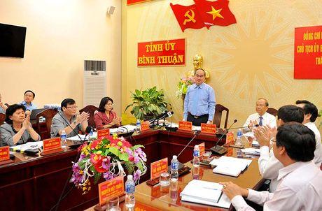Chu tich MTTQ Viet Nam lam viec voi tinh Binh Thuan - Anh 1