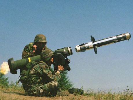Tinh hinh Ukraine: Nam vu khi My vo tinh chuyen cho Donbass - Anh 3