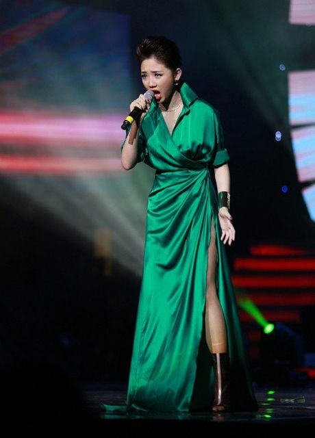 Nhung 'phien ban Rihanna' trong showbiz Viet - Anh 5