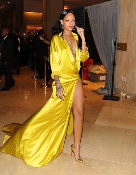 Nhung 'phien ban Rihanna' trong showbiz Viet - Anh 6