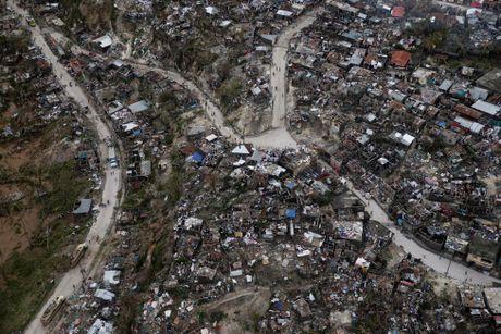 Chum anh Haiti tan hoang sau sieu bao Matthew - Anh 1