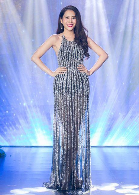 Hinh anh dau tien cua Hoa khoi Nam Em tai Miss Earth - Anh 10