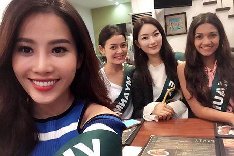 Hinh anh dau tien cua Hoa khoi Nam Em tai Miss Earth - Anh 1