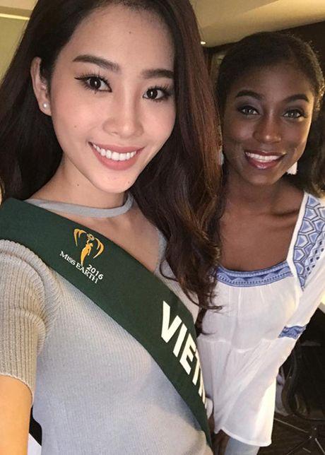 Hinh anh dau tien cua Hoa khoi Nam Em tai Miss Earth - Anh 3