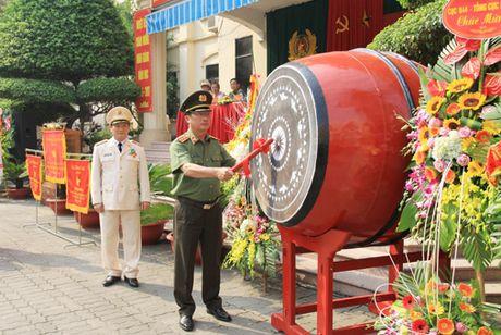 Truong Dai hoc Phong chay chua chay khai giang nam hoc moi - Anh 1