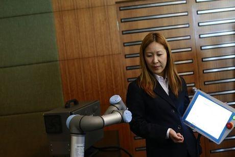 Universal Robots ra mat giai phap tu dong hoa tai Viet Nam - Anh 1