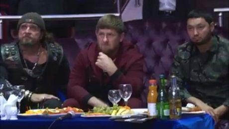 Cho con trai dau vo, thu linh Chechnya khien Nga noi gian - Anh 2