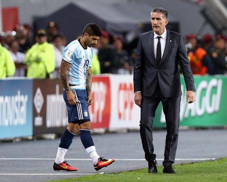 """""""Toi do"""" Mascherano khien Argentina chia diem - Anh 1"""