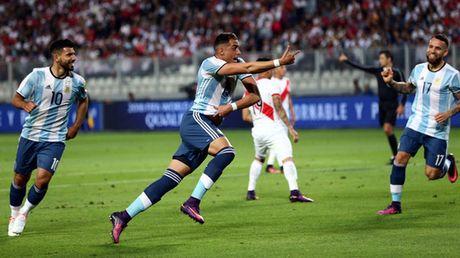 """""""Toi do"""" Mascherano khien Argentina chia diem - Anh 2"""