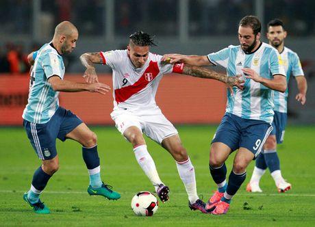 """""""Toi do"""" Mascherano khien Argentina chia diem - Anh 4"""