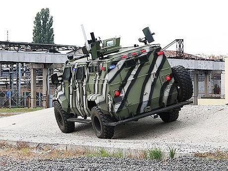 Ukraina khoe chien xa co the ha guc 'Manh ho' Kraz cua Nga - Anh 3