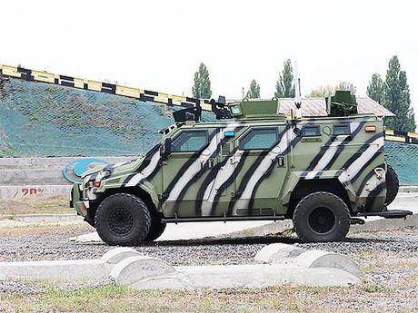 Ukraina khoe chien xa co the ha guc 'Manh ho' Kraz cua Nga - Anh 4