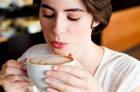 Nhung luu y can tranh khi uong cafe de khong hai suc khoe - Anh 1