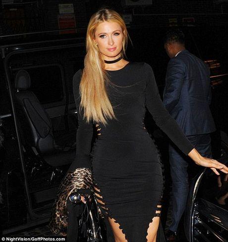 Paris Hilton, Rihanna dien thoi trang goi cam nhat tuan qua - Anh 4