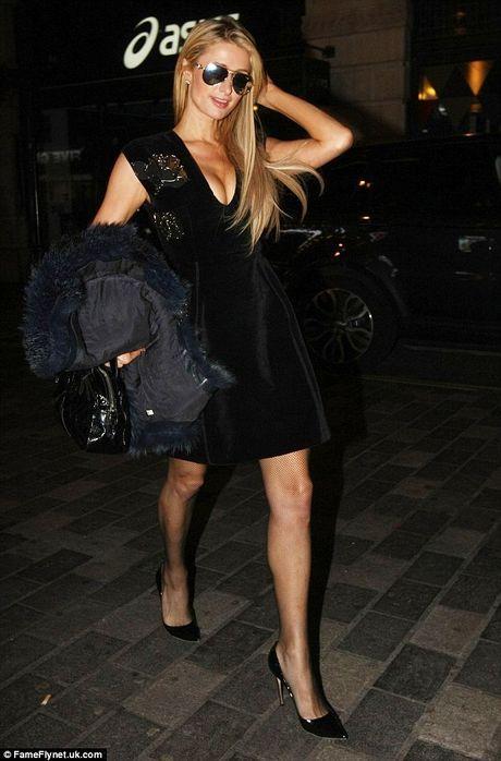Paris Hilton, Rihanna dien thoi trang goi cam nhat tuan qua - Anh 6
